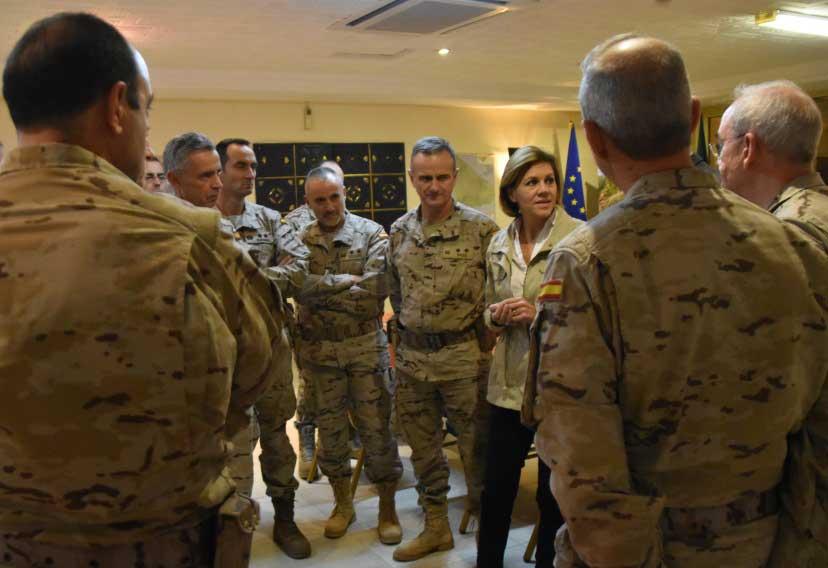 Visite-du-ministre-de-la-Défense-espagnole