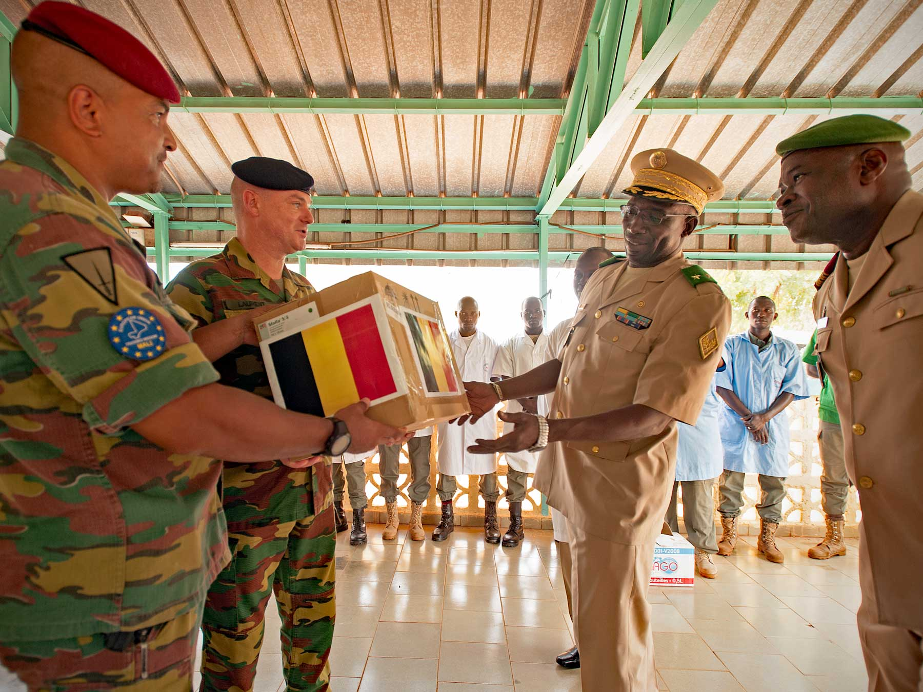 Donation of medicines and medical equipment to the Malian armed