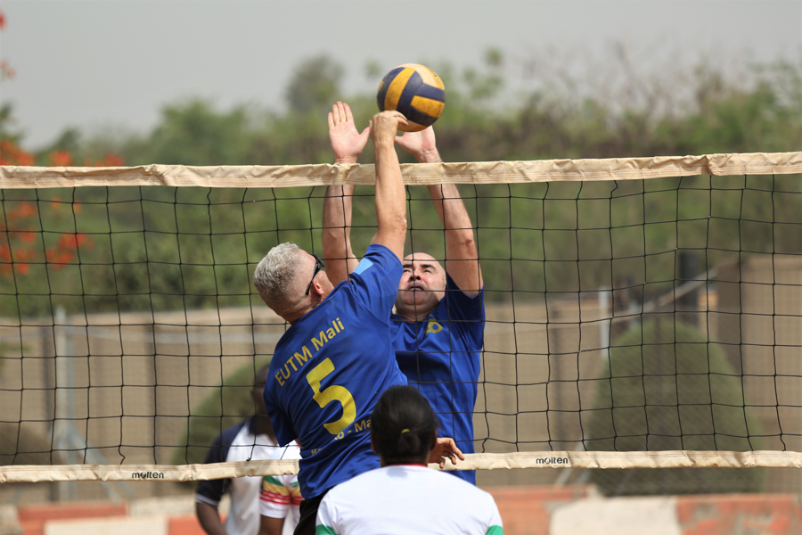 VOLEYBALL, UNE FAÇON DE RENFORCER L'AMITI'E ENTRE EUTM-Mali ET FAMa