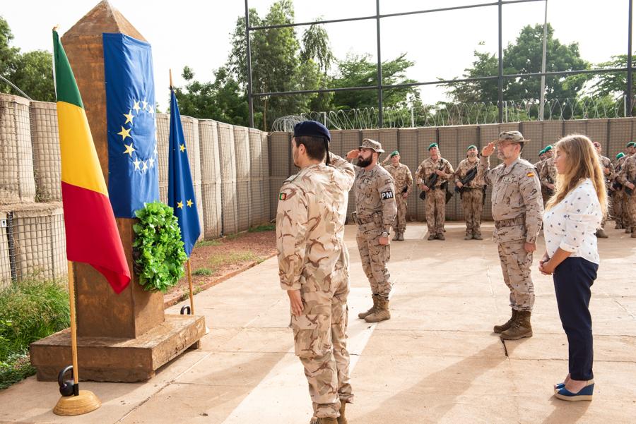 Le 18 juin, l'EUTM Mali a organisé une cérémonie en l'honneur de la mémoire des soldats tombés au champ d'honneur
