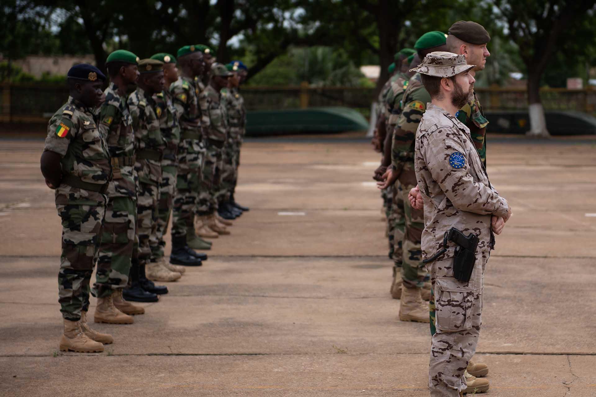 20 OFFICIERS FINISSENT LE 7ème COURS DE COMMANDANT DE COMPAGNIE DE L'EUTM MALI