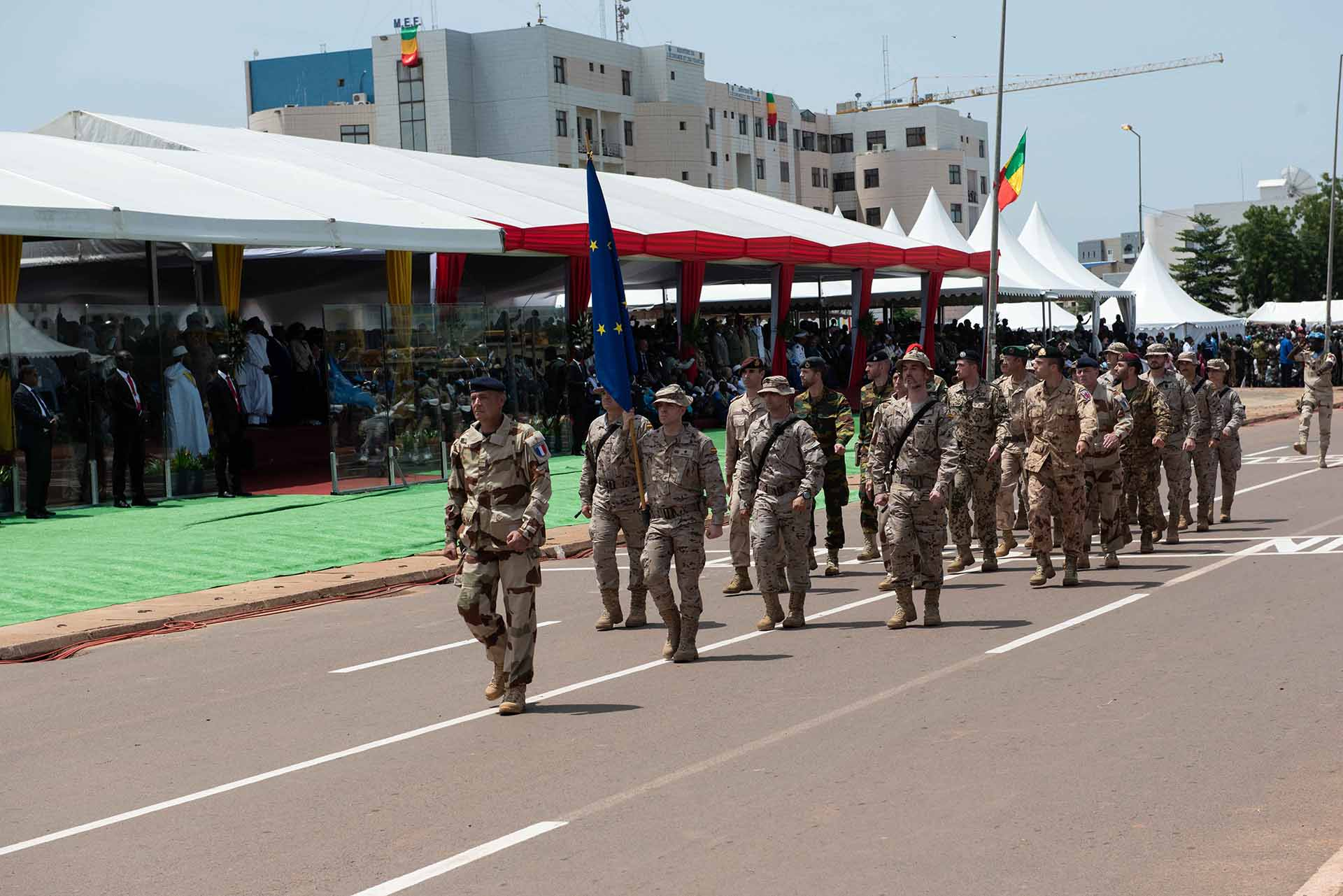 EUTM MALI, PRESENT AT THE MALIAN INDEPENDENCE DAY PARADE