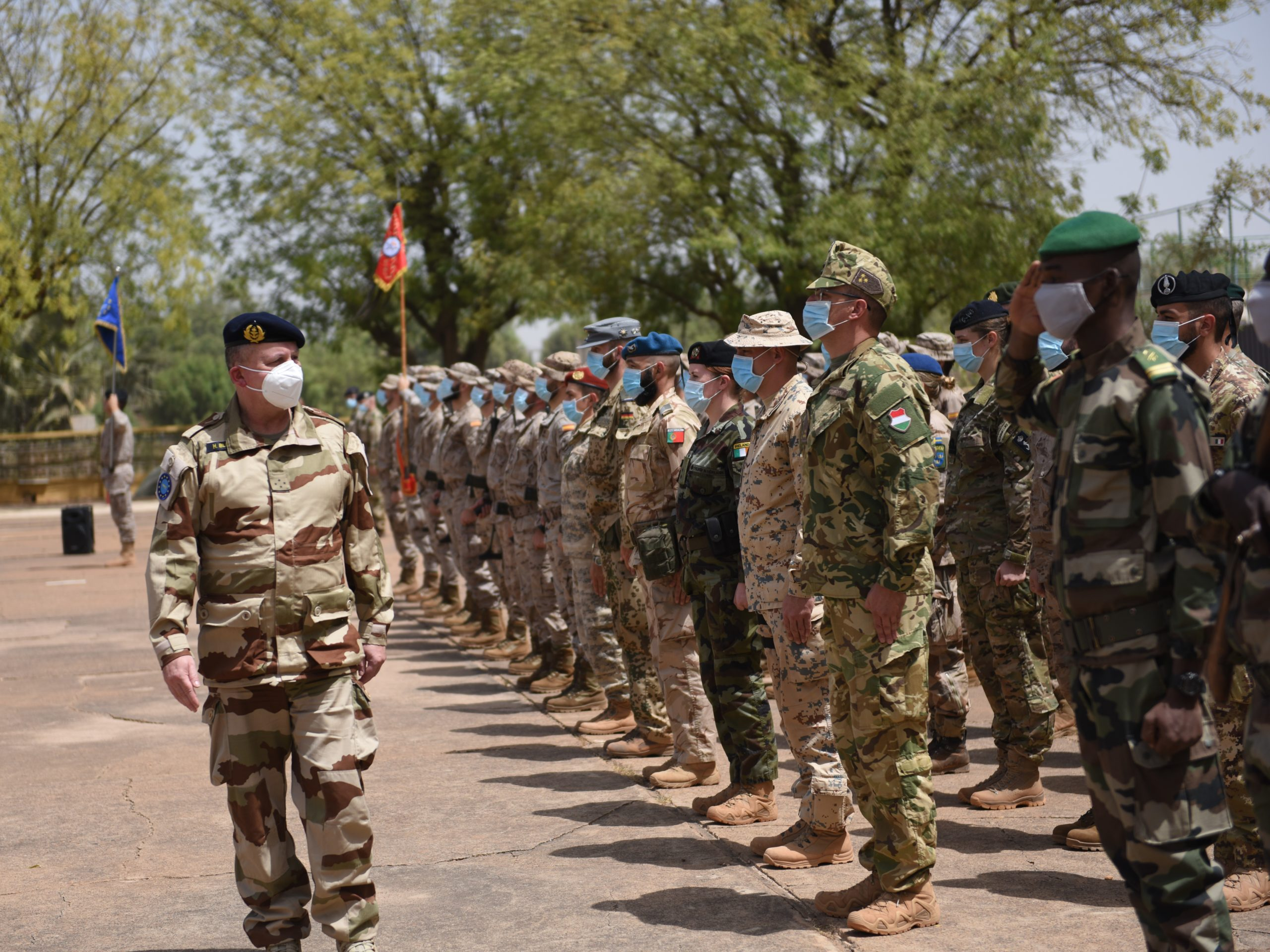 DIRECTOR GENERAL OF THE EUROPEAN UNION MILITARY STAFF VISITS MALI